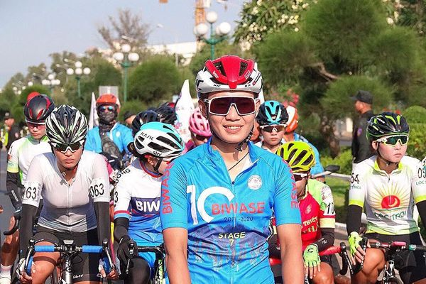 Tay đua nữ số 1 Việt Nam giành áo xanh giải quốc tế Bình Dương