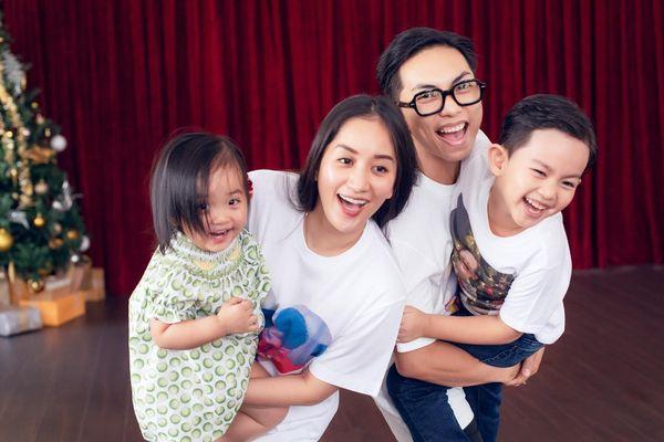 Cuộc sống vợ chồng Khánh Thi - Phan Hiển xáo trộn bởi dịch Covid-19