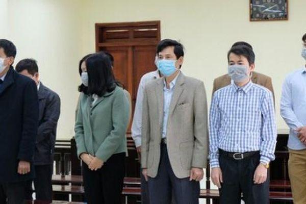Xét xử 5 cựu thanh tra tỉnh Thanh Hóa: Doanh nghiệp biếu tiền thì nhận thôi (?!)