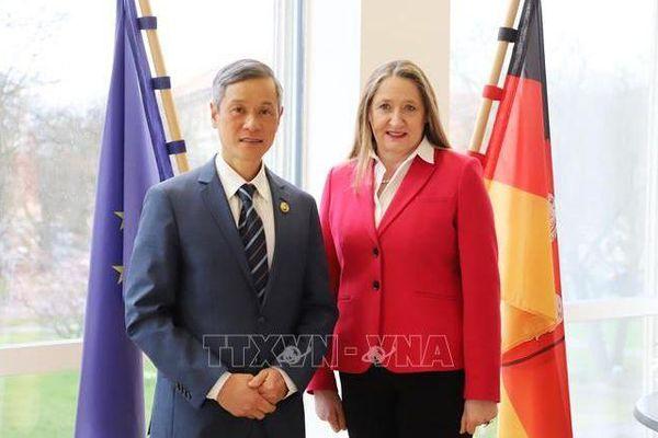 Việt Nam tăng cường hợp tác với bang Niedersachsen của Đức