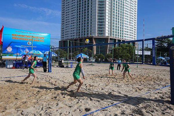 Bóng chuyền bãi biển: Khó kiếm nguồn nữ trẻ