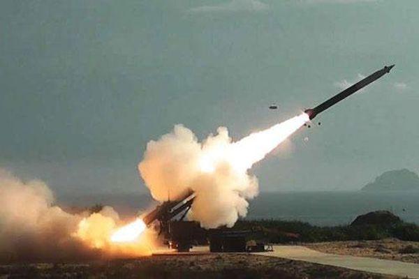 Thủy quân lục chiến Mỹ với chiến lược sử dụng tên lửa tấn công mới