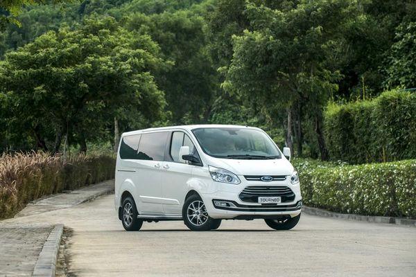 Ford Tourneo - MPV 7 chỗ rộng rãi, tiện nghi, giá hợp lý
