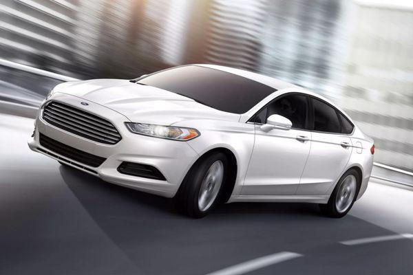 Hơn 326.000 mẫu xe Ford trên toàn cầu bị triệu hồi để sửa lỗi