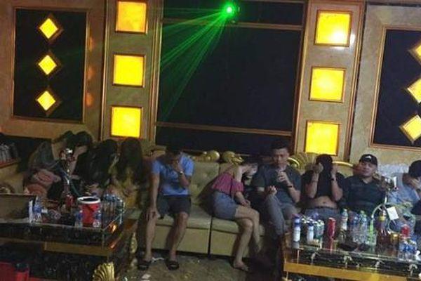 Khởi tố 1 bị can trong vụ 76 'nam thanh, nữ tú' bay, lắc trong quán karaoke đóng cửa