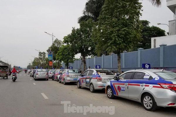 'Cuộc chiến' taxi truyền thống và công nghệ khép lại từ hôm nay
