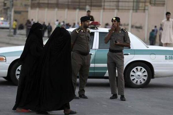 Arab Saudi giới nghiêm 24 giờ tại một số thành phố lớn