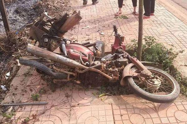 Người phụ nữ bị ô tô khách chạy cùng chiều tông tử vong