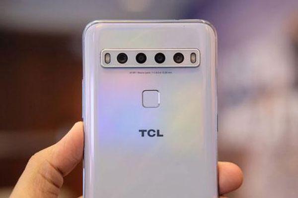 Cận cảnh smartphone cấu hình tốt, pin 4.000 mAh, 4 camera sau giá gần 6 triệu
