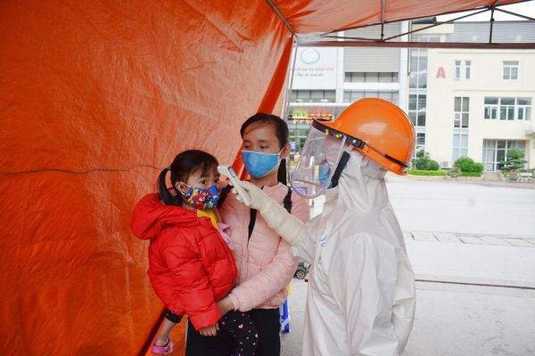 An toàn cho người già, trẻ em trong mùa dịch