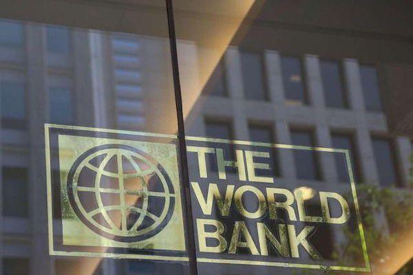 WB cho Philippines vay 500 triệu USD ứng phó Covid-19, lo ngại tăng trưởng kinh tế tổng thể của Campuchia