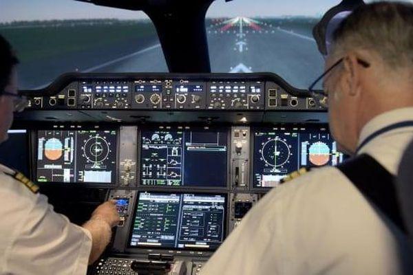 Nỗi lo phi công quên kỹ năng lái máy bay vì nghỉ việc quá lâu do COVID-19