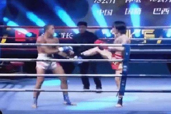 'Đạo trưởng Võ Đang' bị đấm tím bầm mắt, thua knock-out võ sĩ Brazil chỉ sau 40 giây