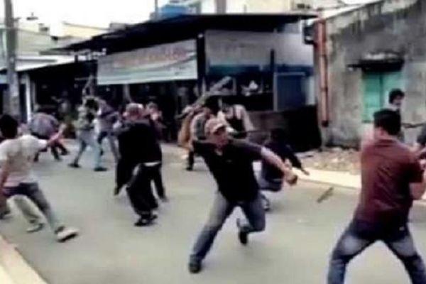 Mâu thuẫn trong lúc uống rượu ở Đồ Sơn, hai nhóm thanh niên lao vào hỗn chiến