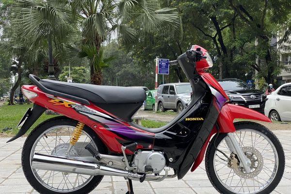 Honda Wave ZX được dựng 'như mới' sau 15 năm