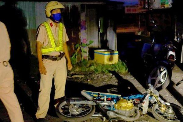 Cảnh sát nổ súng khống chế, chặn bắt hơn 100 'quái xế' đua xe gây náo loạn quốc lộ 51