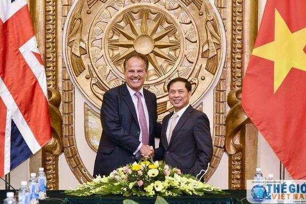Quan hệ Việt Nam - Anh nồng ấm giữa đại dịch Covid-19