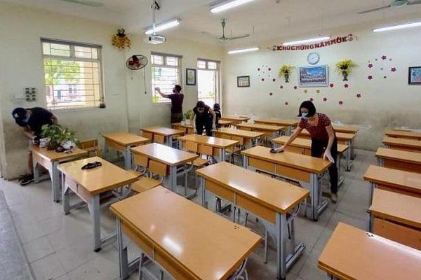 Quận Long Biên: Bảo đảm các điều kiện an toàn ngày đầu học sinh các khối đến trường