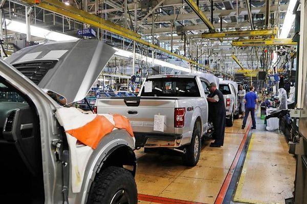 Các hãng ôtô hàng đầu của Mỹ bắt đầu hoạt động trở lại