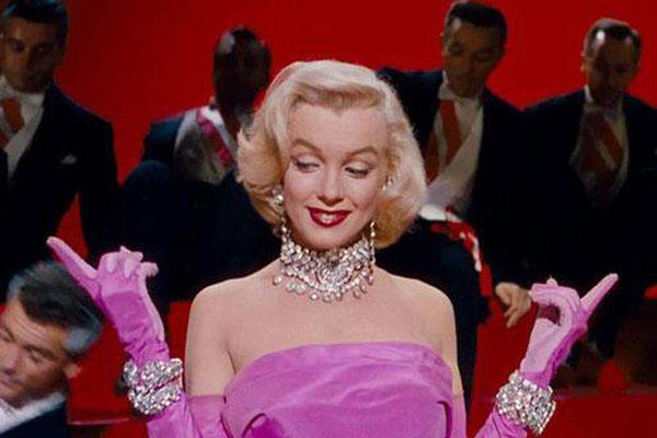 Nhan sắc 'khuynh đảo' một thời của biểu tượng điện ảnh Marilyn Monroe