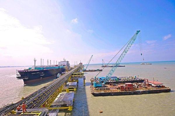 Petronas lần đầu tiên cung cấp LNG cho Myanmar