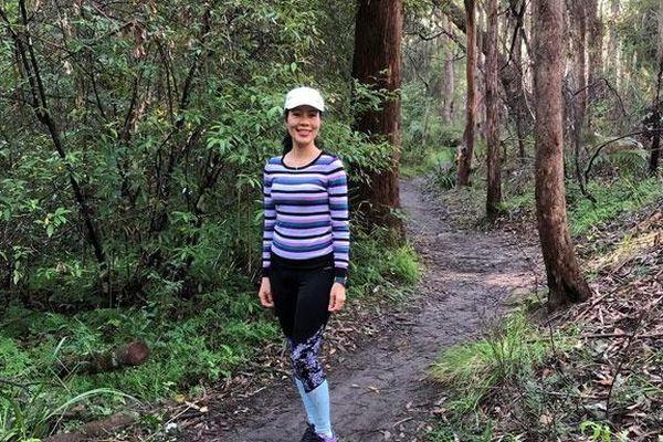 Việt kiều Australia đi bộ 20.000 bước mỗi ngày, gây quỹ 2.000 AUD giúp trẻ em nghèo