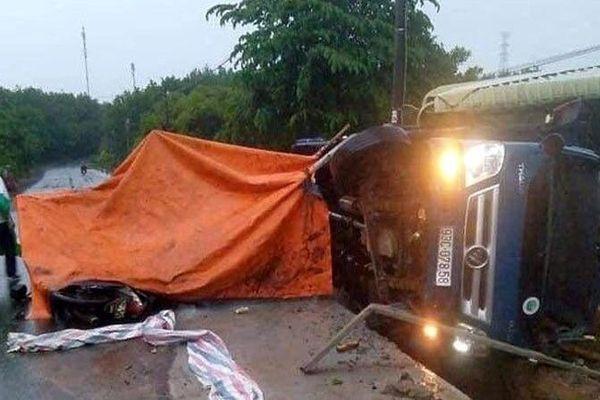 Xe tải tông nhóm công nhân, 1 người tử vong