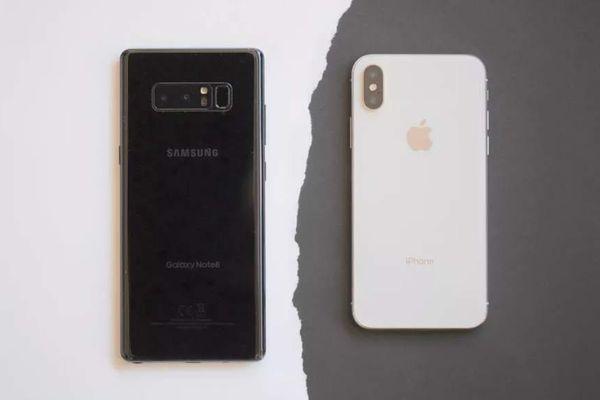 Những smartphone cùng thời với iPhone X giờ ra sao?