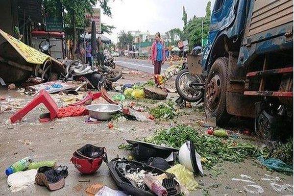 Khởi tố vụ tai nạn kinh hoàng khiến 10 người thương vong