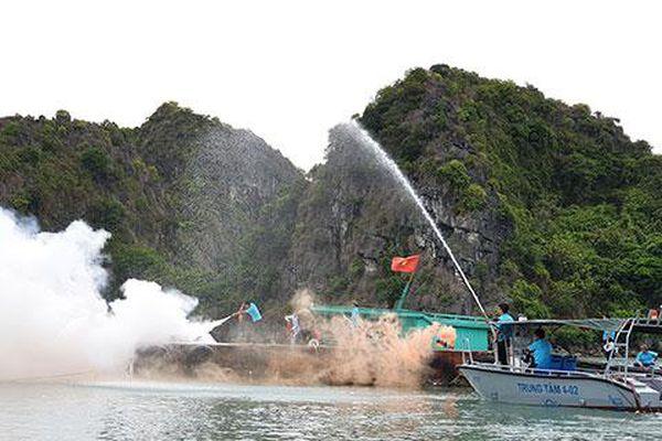 Diễn tập phòng, chống thiên tai, cứu nạn cứu hộ trên Vịnh Hạ Long