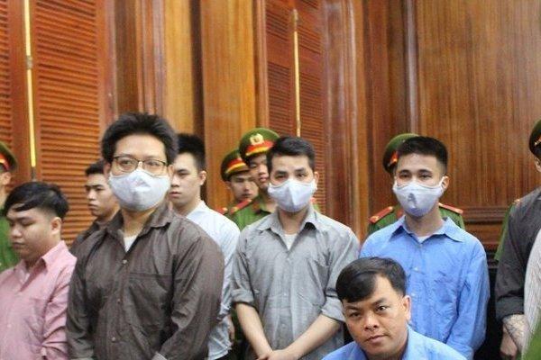 'Đại gia' đeo nhiều vàng giả nhất Việt Nam lãnh 12 năm tù