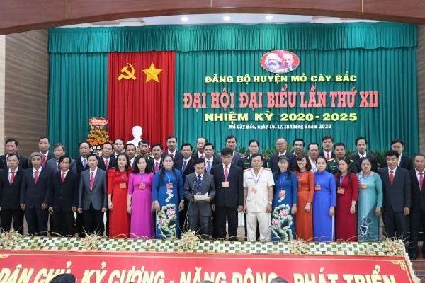 Huyện Mỏ Cày Bắc tổ chức Đại hội Đảng bộ lần thứ 12