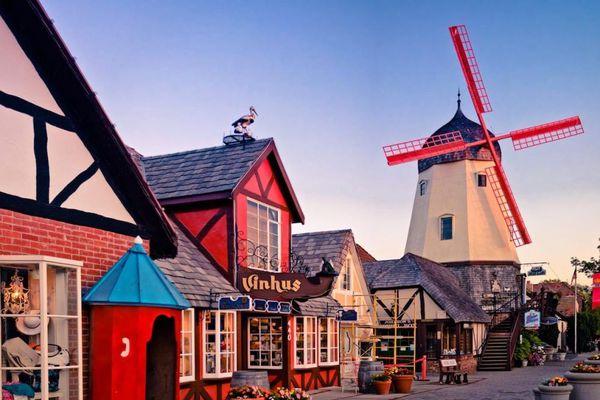 Lạc vào thế giới cổ tích khi khám phá 12 thị trấn xinh đẹp ở Mỹ