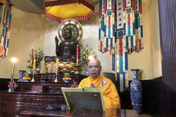 Đà Lạt : Chư Tăng bố-tát, thính giới tại chùa Linh Sơn