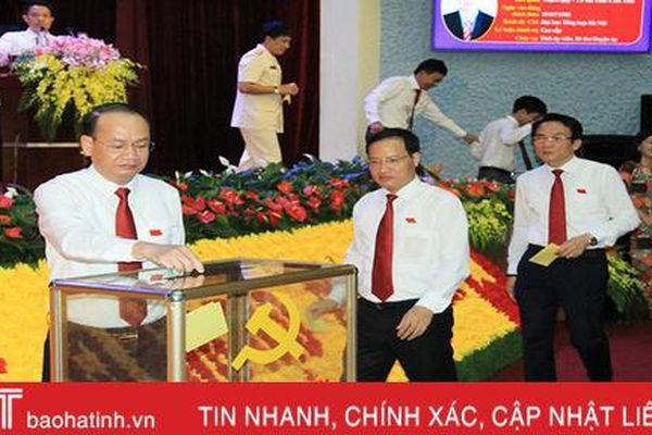 Ông Phan Tấn Linh tái cử Bí thư Huyện ủy Nghi Xuân nhiệm kỳ 2020 - 2025