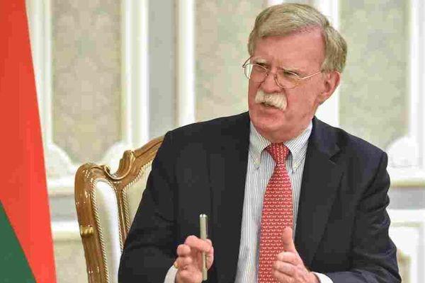 Bolton: Trump và Tập 'thường xuyên' trao đổi về nỗ lực tái tranh cử