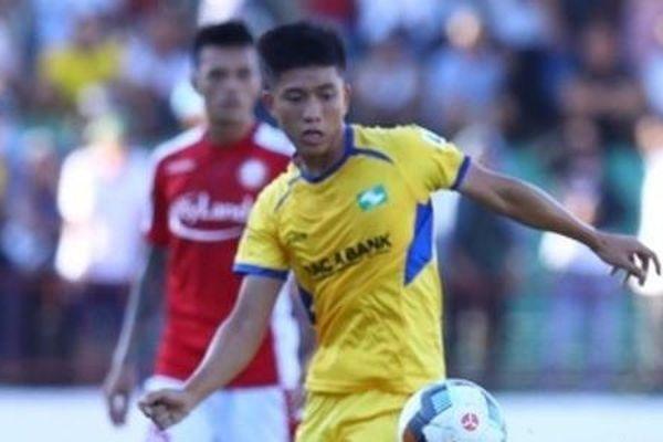Công Phượng thăng hoa, TP HCM thắng đậm SLNA ở vòng 6 V.League