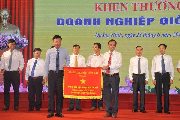 Tuyên dương điển hình tiên tiến CNVCLĐ tỉnh Quảng Ninh lần thứ VI