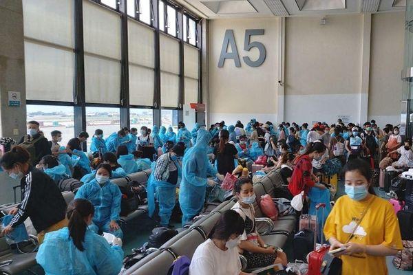Đưa 343 công dân Việt từ Đài Loan về nước