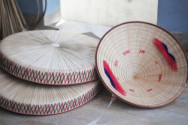 Làng Chuông (Thanh Oai, Hà Nội): Thăng trầm bên chiếc nón quai thao