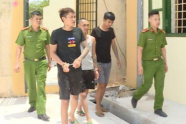 Truy bắt nhóm cướp ngày trên đường Hưng Yên