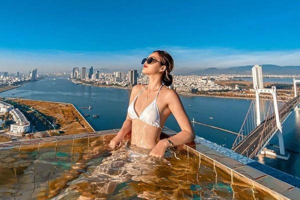 Khách sạn có hồ bơi dát vàng và loạt điểm lưu trú 5 sao ở Đà Nẵng