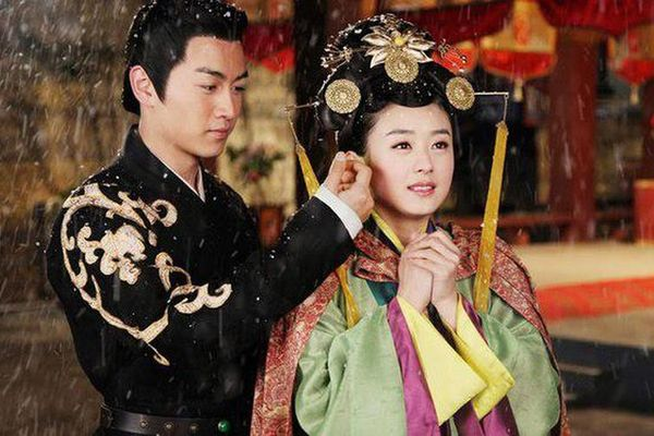 Hoảng hồn hoàng đế TQ tổ chức 'đám cưới ma' cho vợ yêu