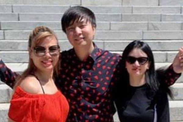 Ca sĩ Anh Khang kết hôn với bạn gái tại Mỹ