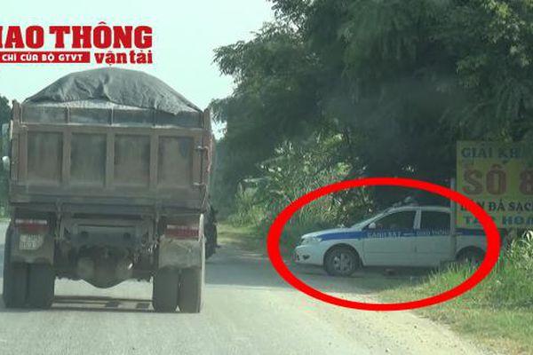 Bất thường xe chở quá tải 'lọt' trạm cân và CSGT Hòa Bình?