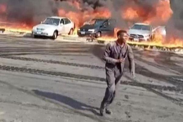 Cận cảnh vụ cháy đường ống dẫn dầu tại Ai Cập, 17 người bị thương