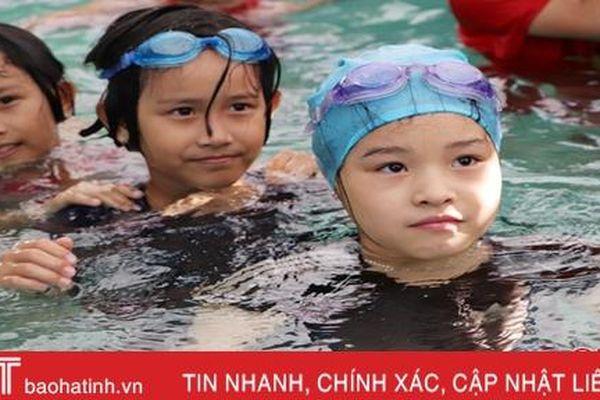 Giúp học sinh miền núi Hà Tĩnh phòng tránh tai nạn đuối nước
