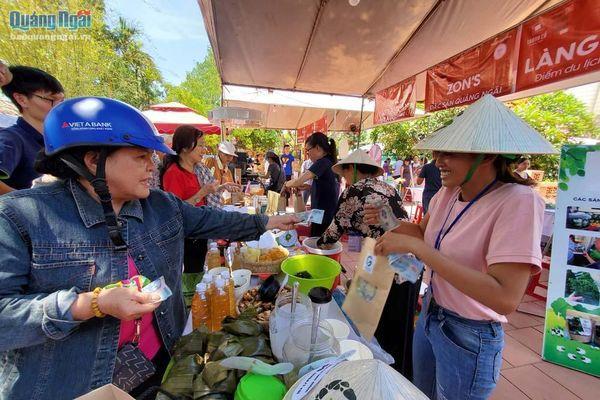 Chợ phiên văn hóa miền núi Quảng Ngãi