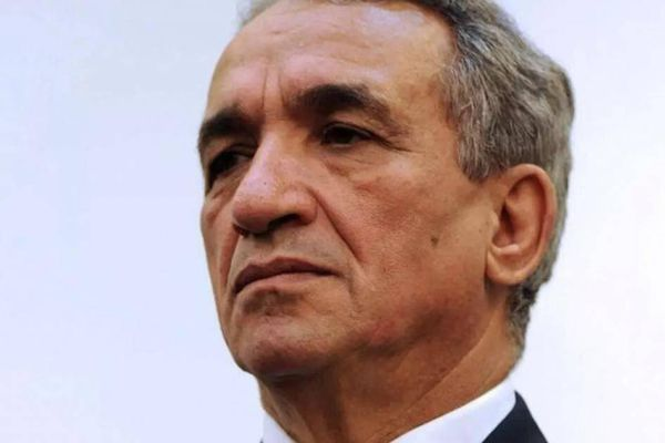 Cựu bộ trưởng Algeria chết vì nhiễm Covid-19 khi đang bị giam trong tù