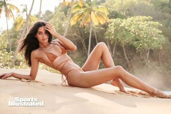 Ngất ngây dàn người đẹp 'bốc lửa' trên tạp chí áo tắm Sports Illustrated